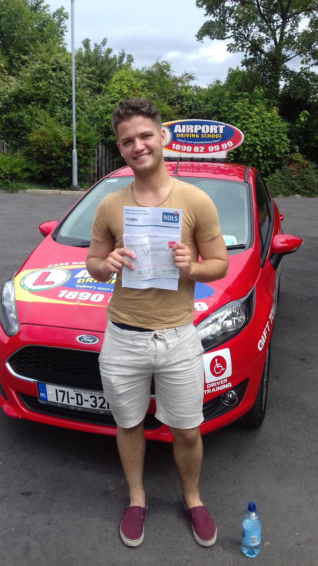 I was with Airport Driving School for about 6 months before passing my test first time. I didn't have a car and couldn't practice outside of these lessons, ...